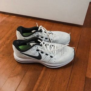 Nike Zoom Running Shoes 7.5